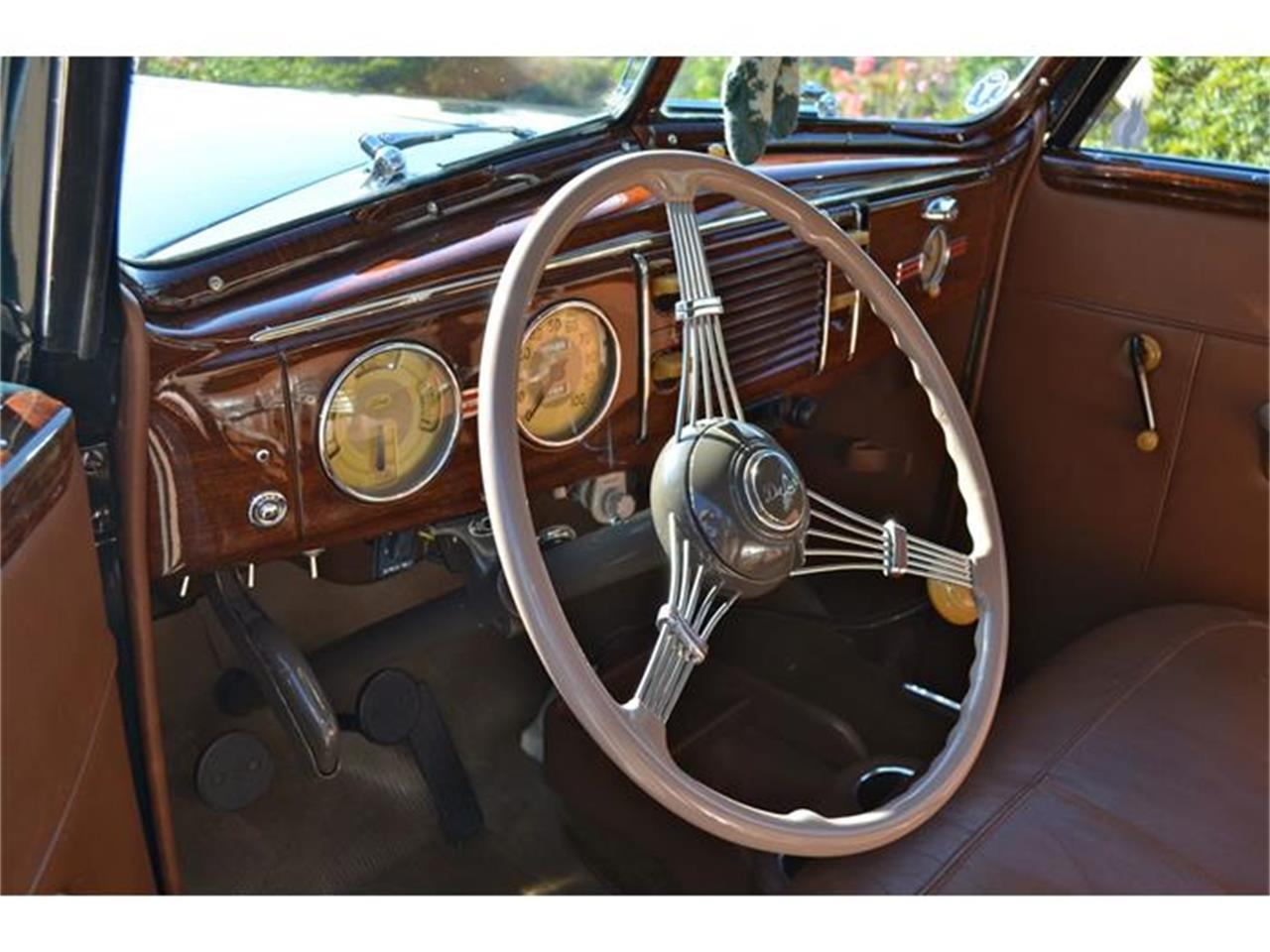 Large Picture of Classic 1939 Deluxe - $55,000.00 - DLUY