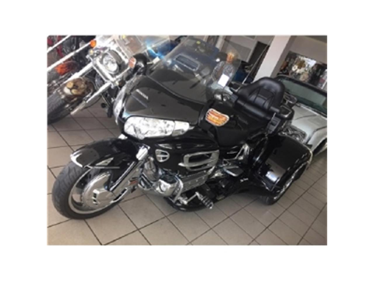 Large Picture of '06 GOLDWING Goldwing located in Miami Florida Offered by Sobe Classics - DM94