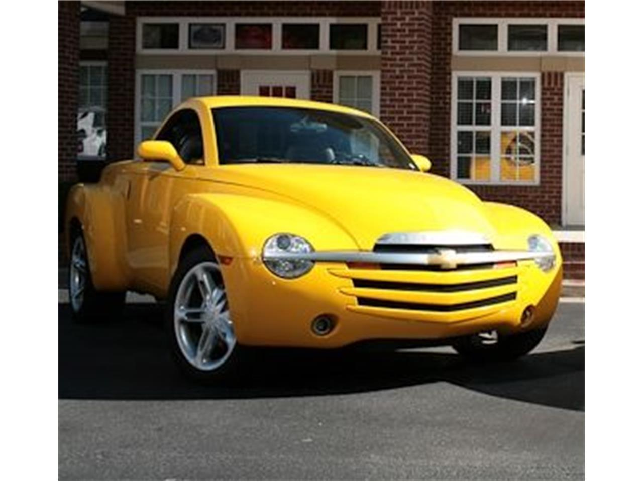 Large Picture of '03 Chevrolet SSR Offered by Muscle Car Jr - DMIN