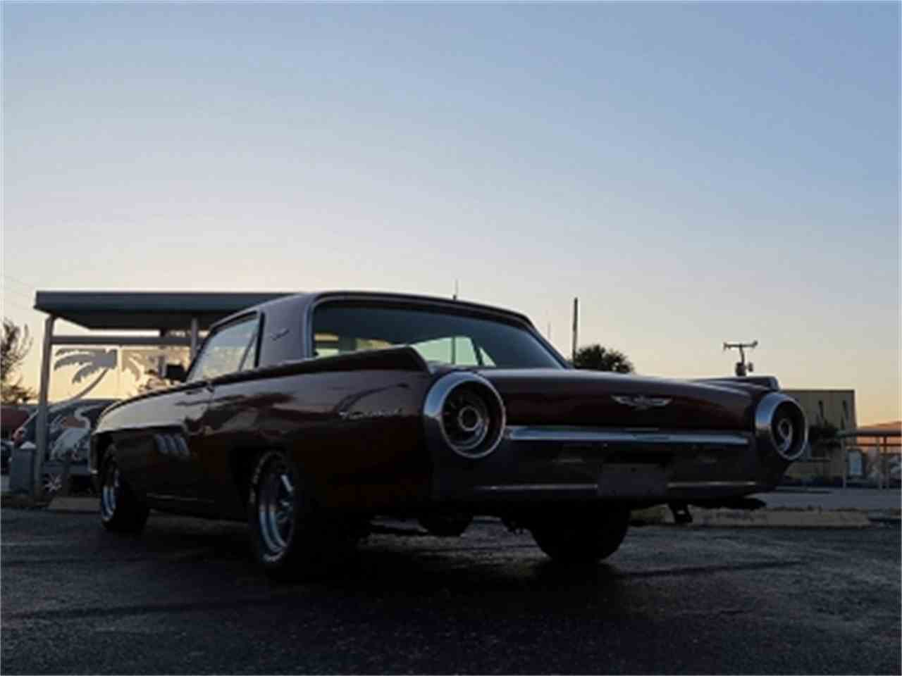 Large Picture of '61 Thunderbird - DNEH
