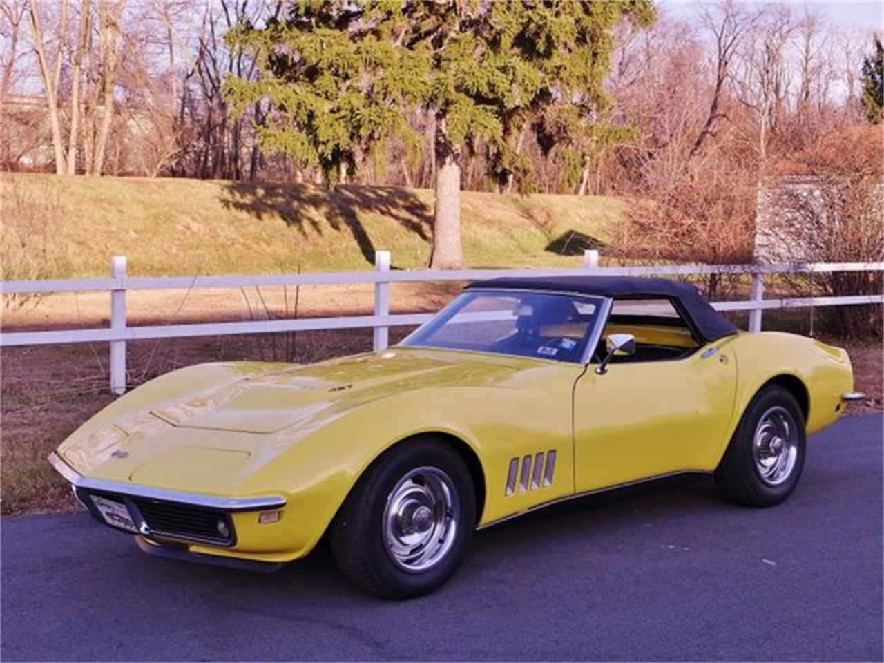 Large Picture of Classic 1968 Corvette - DO4F