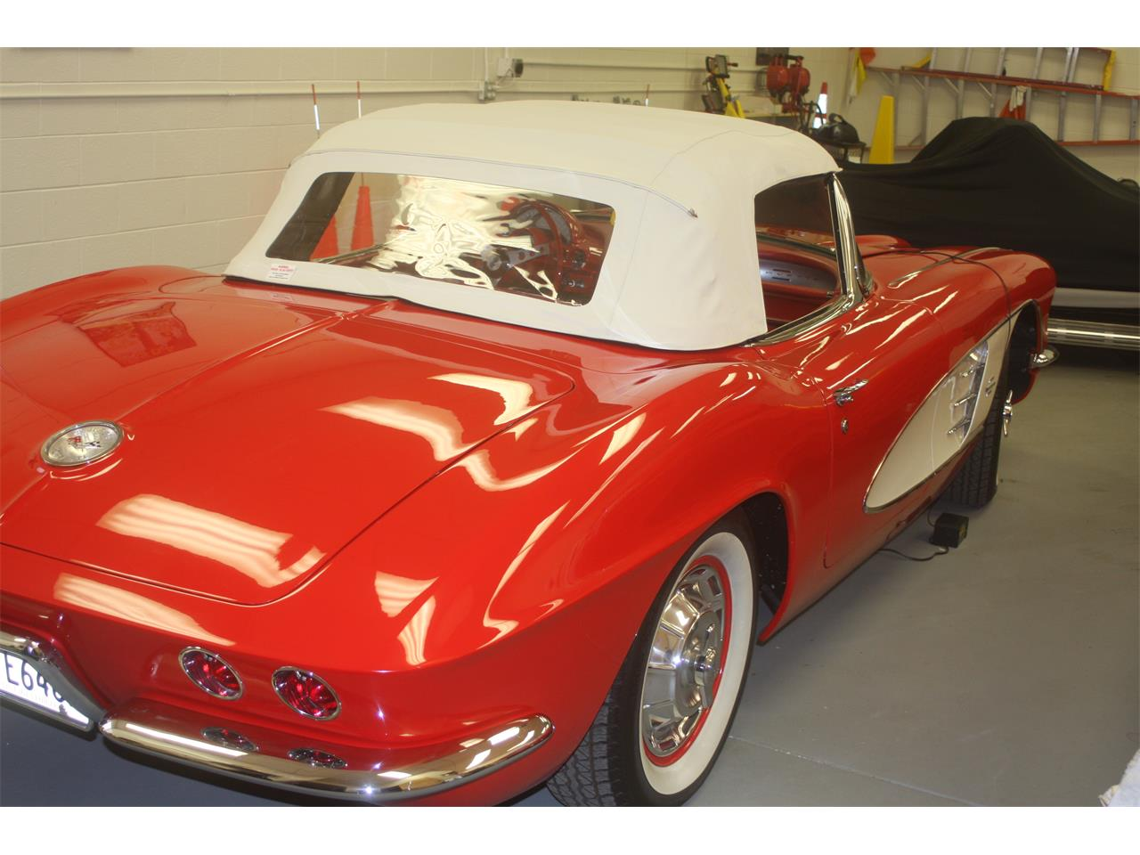 Large Picture of '61 Corvette Offered by a Private Seller - DOWP