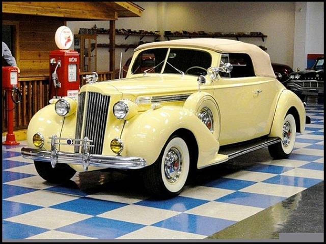 Large Picture of 1939 Packard Super Eight - DR83