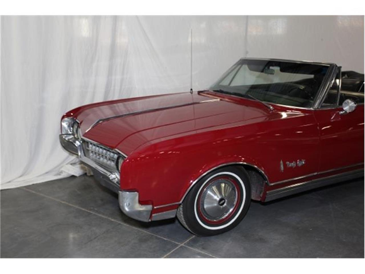 Large Picture of '66 Oldsmobile 98 located in Missouri - $30,000.00 Offered by Branson Auto & Farm Museum - DSBZ