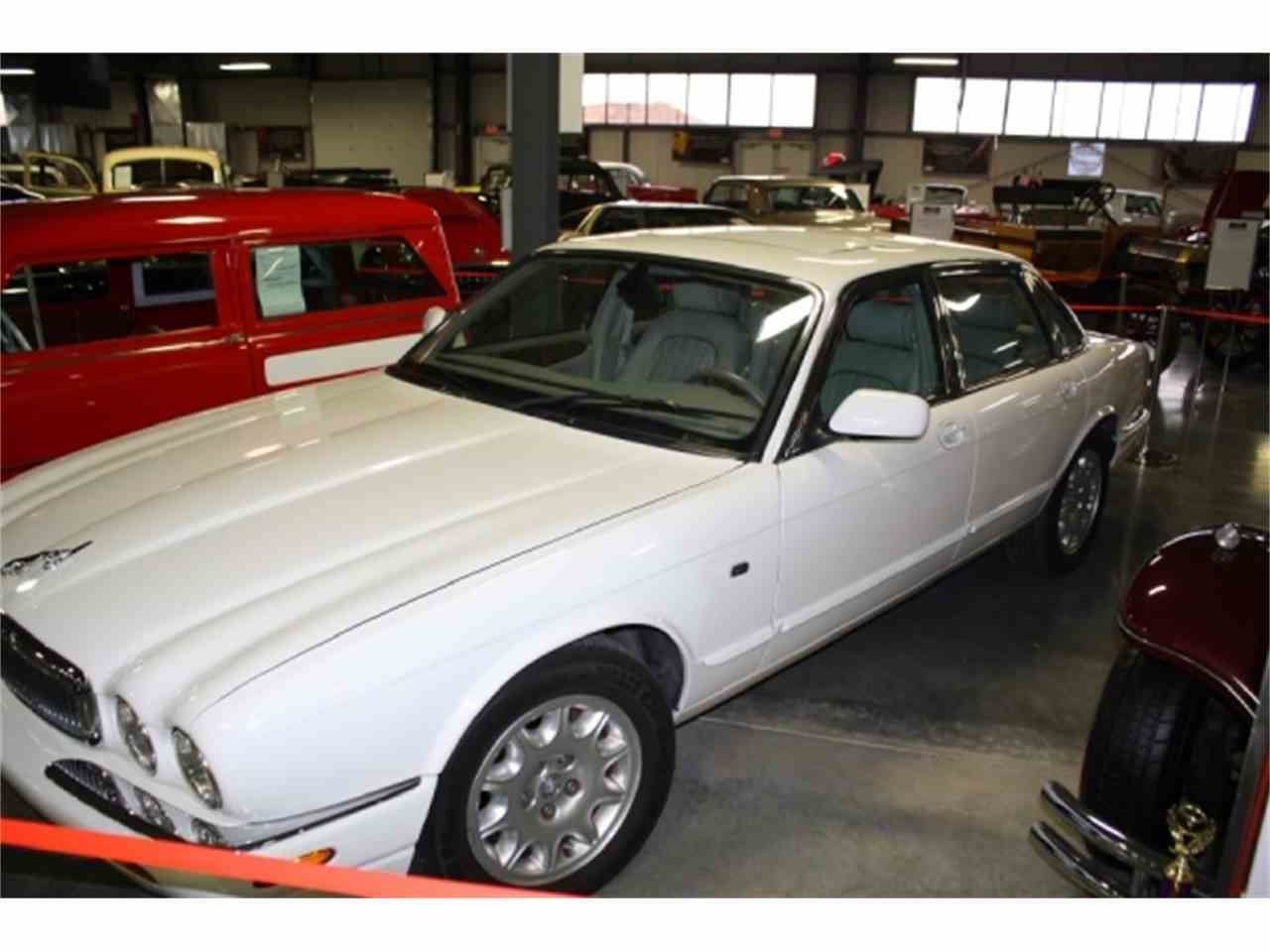 Large Picture of '01 XJ8 - DSCT