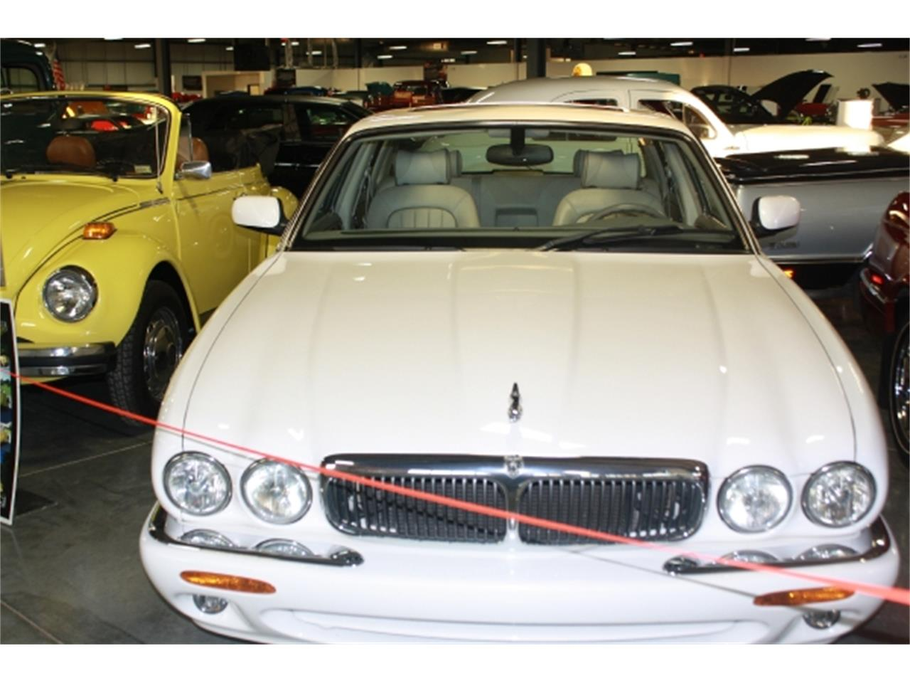 Large Picture of 2001 XJ8 - $7,000.00 Offered by Branson Auto & Farm Museum - DSCT