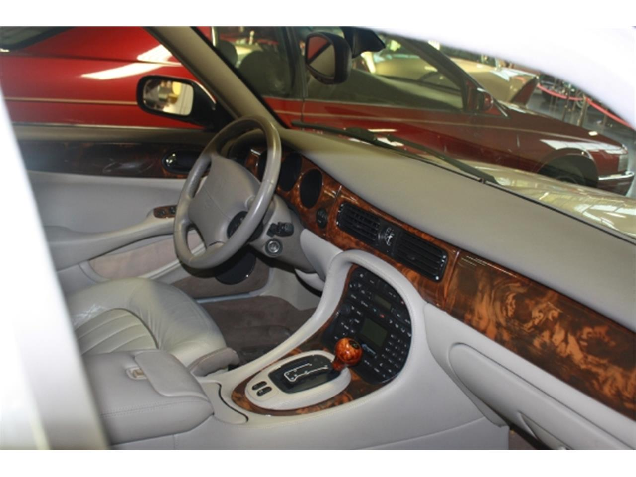 Large Picture of 2001 Jaguar XJ8 Offered by Branson Auto & Farm Museum - DSCT