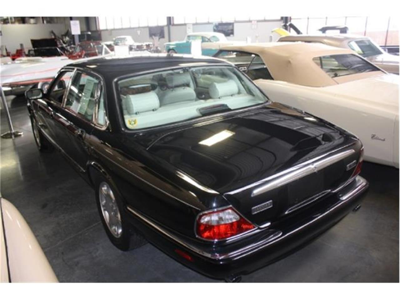 Large Picture of 1998 Jaguar XJ8 - $7,000.00 Offered by Branson Auto & Farm Museum - DSCU