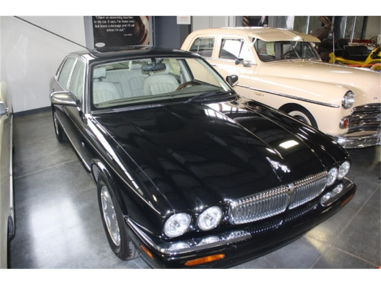 Large Picture of '98 Jaguar XJ8 located in Missouri - $7,000.00 Offered by Branson Auto & Farm Museum - DSCU