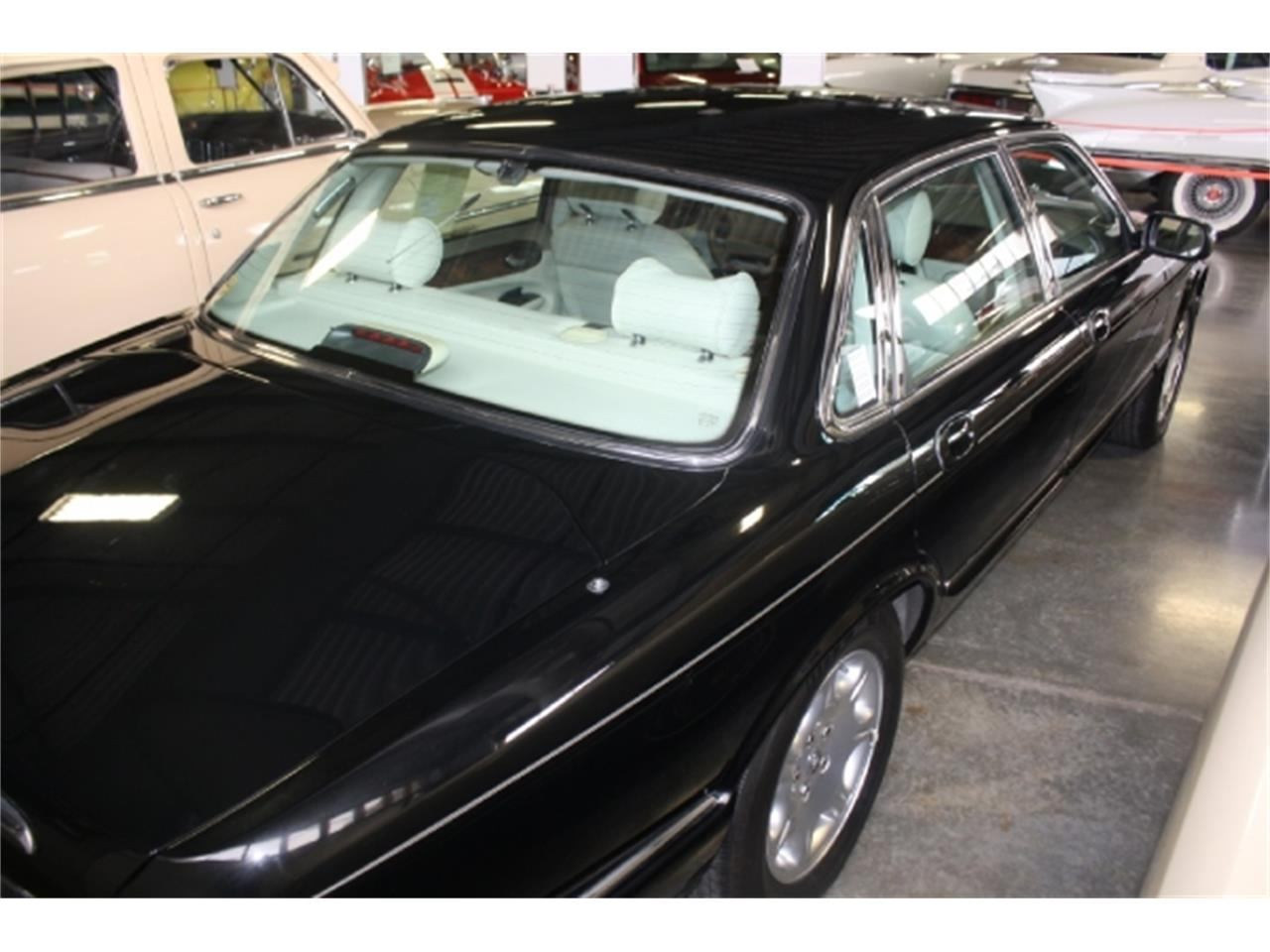 Large Picture of '98 Jaguar XJ8 - DSCU