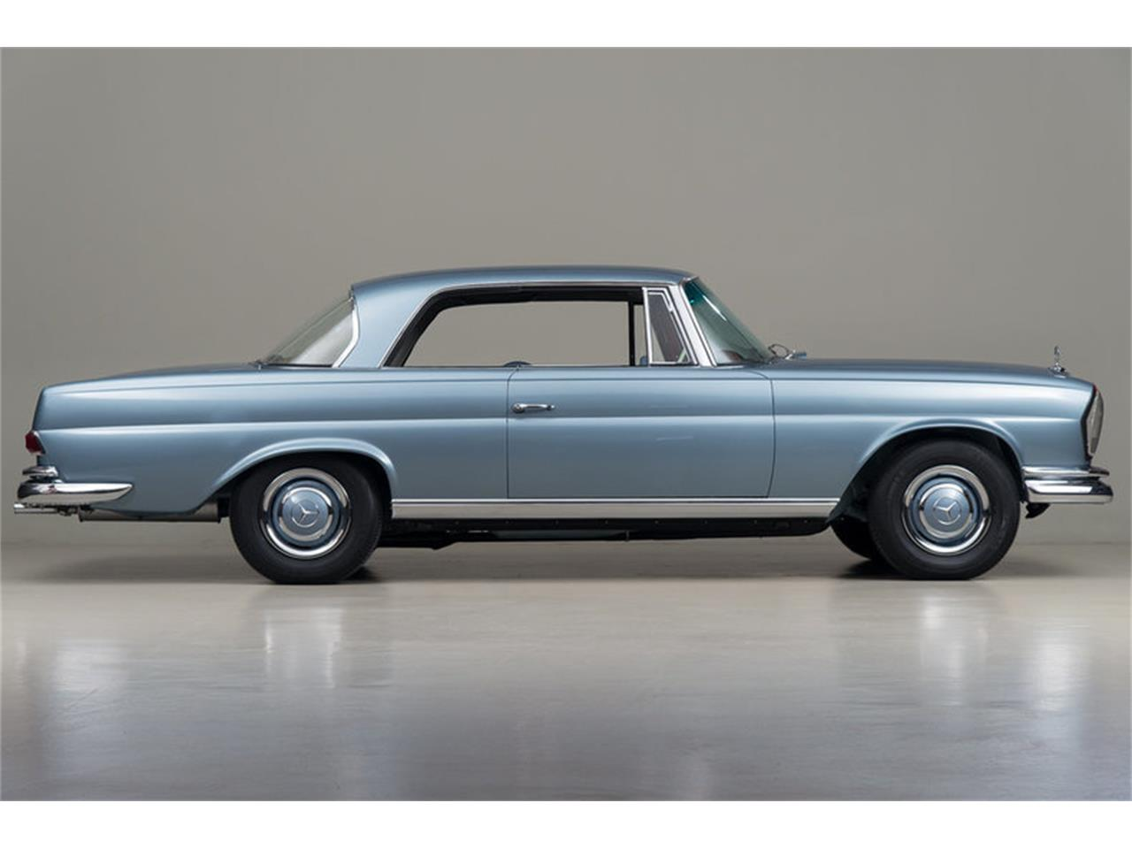 Large Picture of '66 Mercedes-Benz 250SE located in California Auction Vehicle Offered by Canepa - DSVZ
