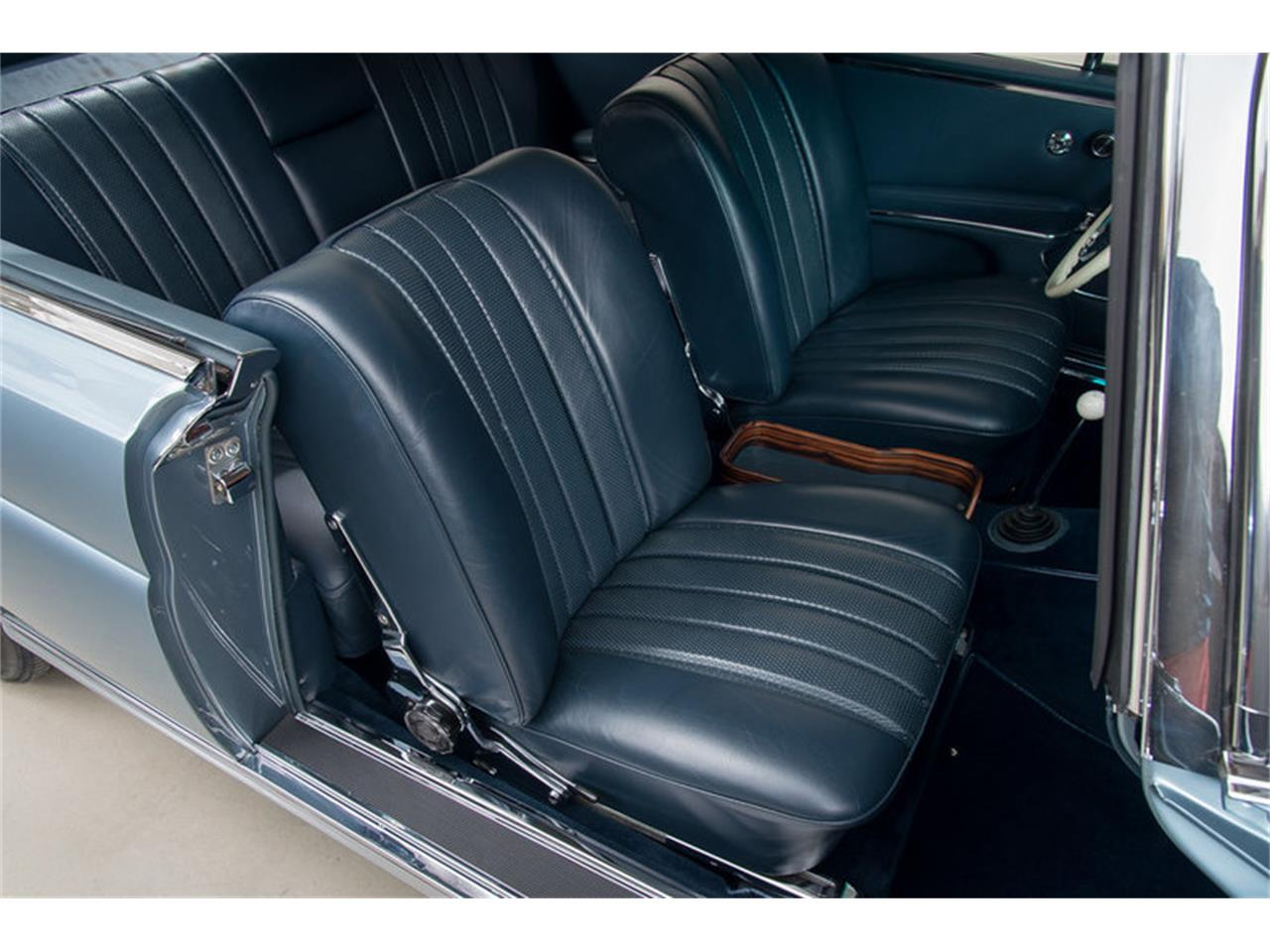 Large Picture of Classic '66 Mercedes-Benz 250SE located in California Auction Vehicle Offered by Canepa - DSVZ