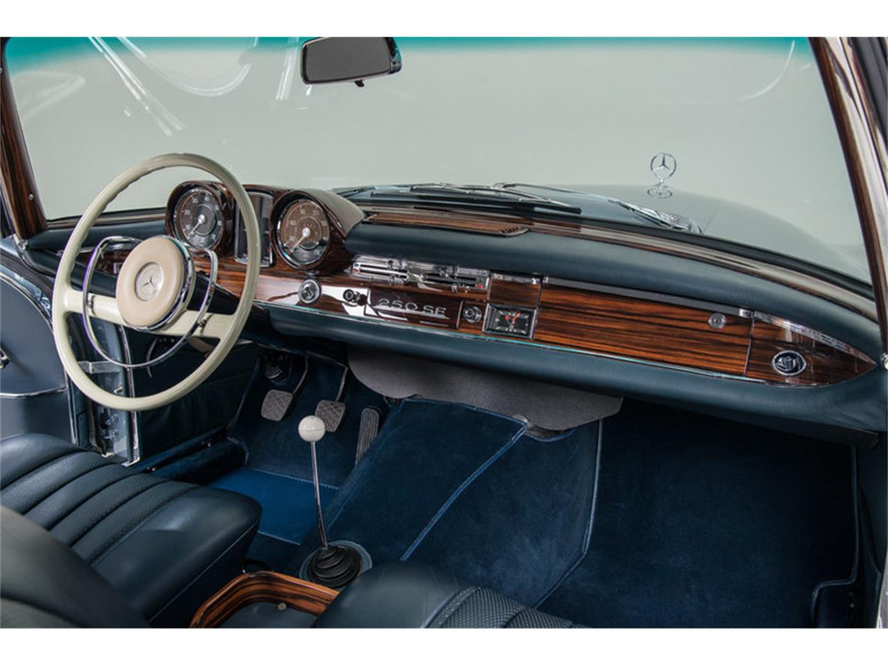 Large Picture of '66 Mercedes-Benz 250SE located in California Offered by Canepa - DSVZ