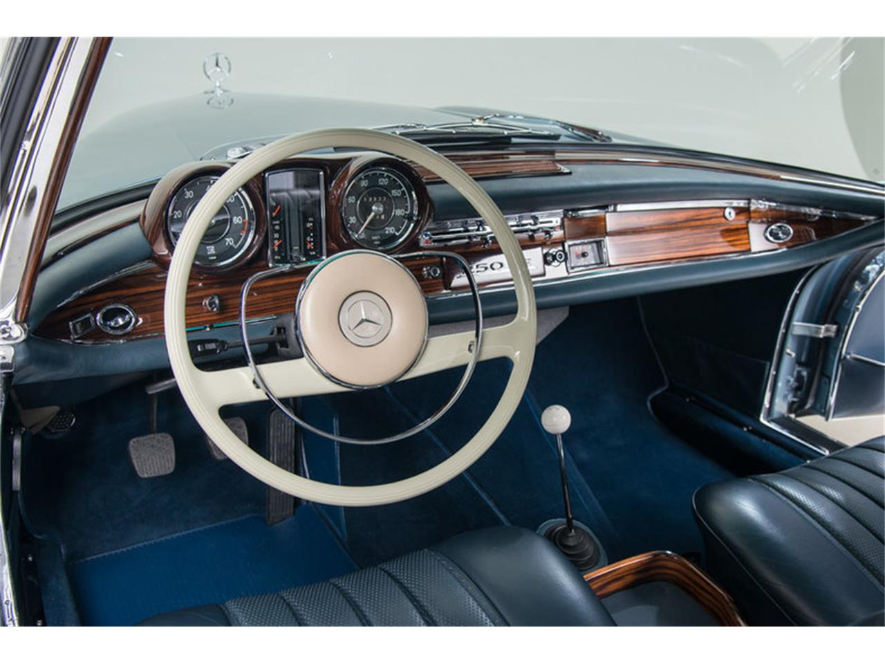 Large Picture of 1966 Mercedes-Benz 250SE located in California Auction Vehicle Offered by Canepa - DSVZ