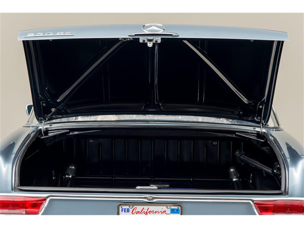 Large Picture of '66 Mercedes-Benz 250SE located in California Auction Vehicle - DSVZ