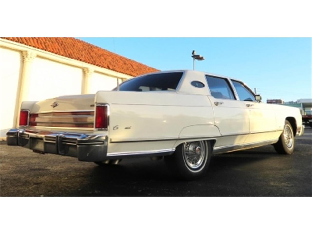 Large Picture of '76 Continental located in Miami Florida - $12,500.00 - DTFV