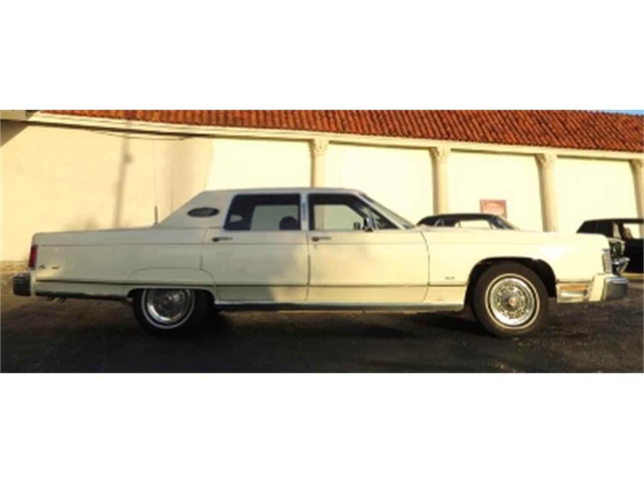 Large Picture of '76 Lincoln Continental located in Miami Florida Offered by Sobe Classics - DTFV