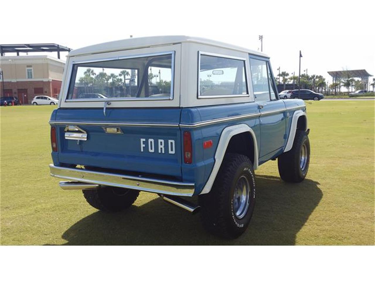 Large Picture of '76 Bronco - DW70