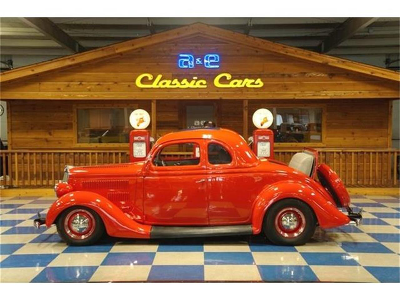 Large Picture of '35 Ford 5-Window Coupe - DW8C