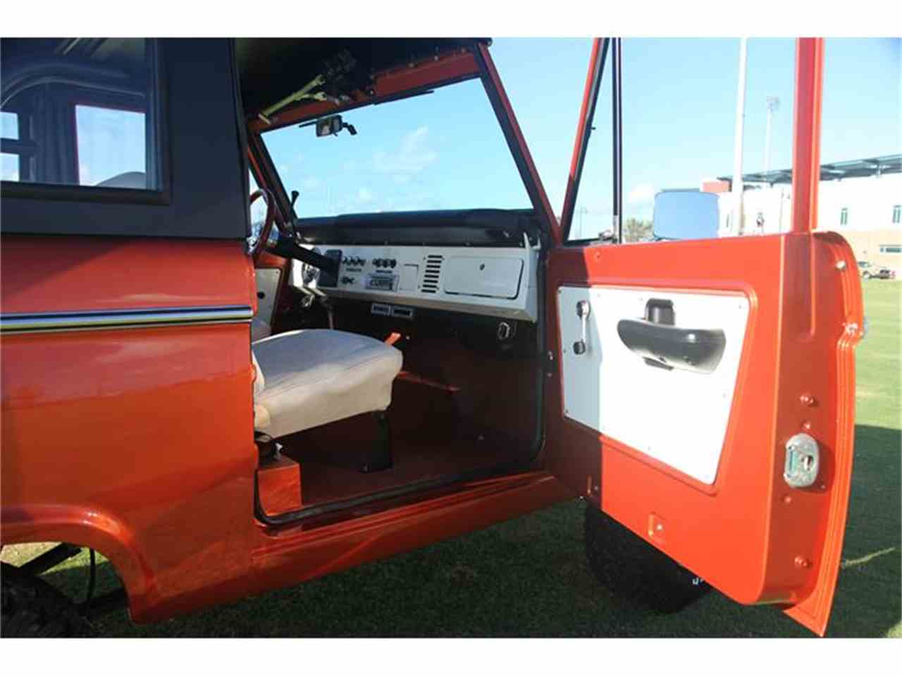 Large Picture of Classic '73 Bronco - $89,900.00 - DQJA