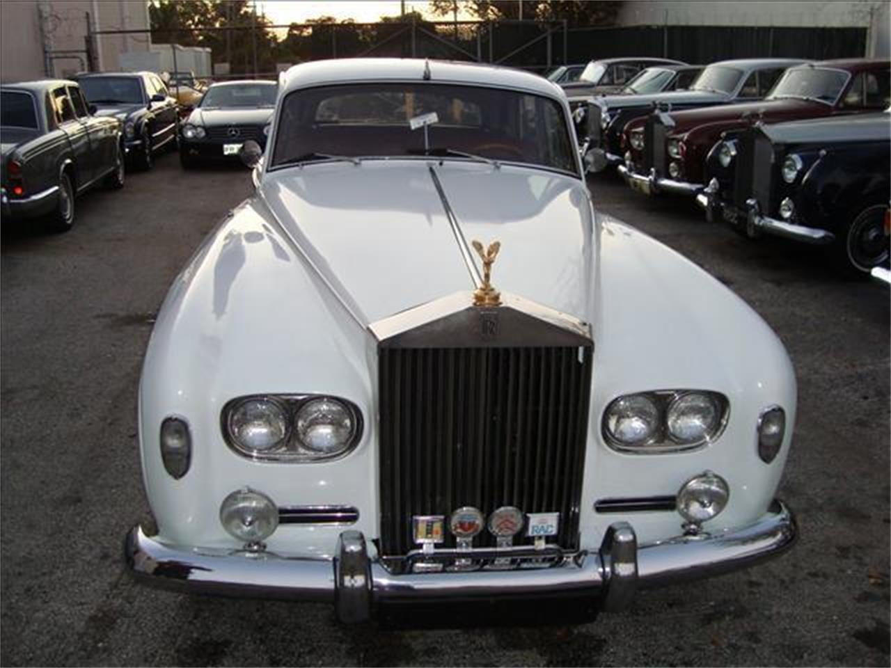 Large Picture of '65 Silver Cloud III - DZYH