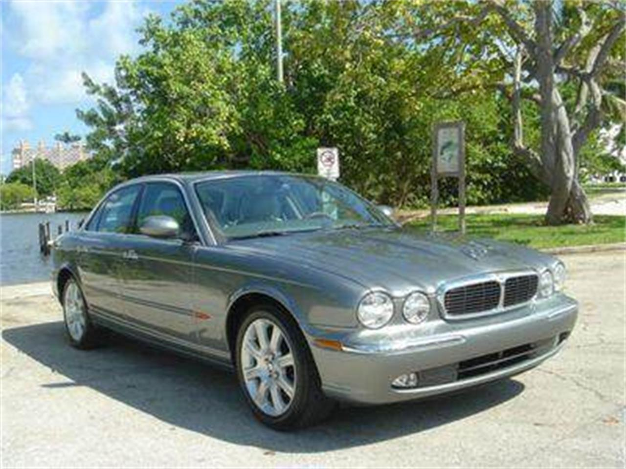 Large Picture of 2004 Jaguar XJ - $14,950.00 - DZYU