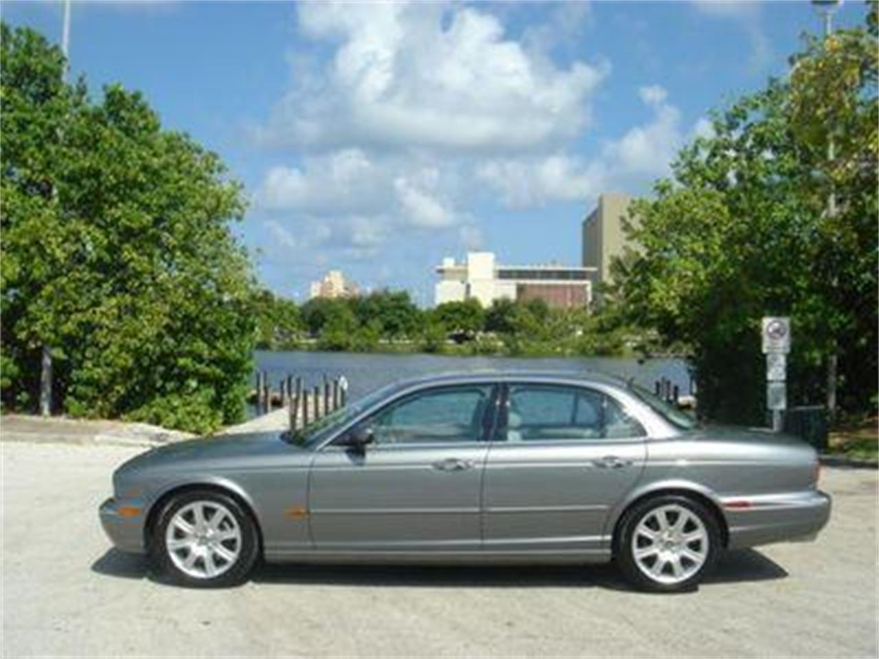 Large Picture of 2004 Jaguar XJ located in Florida - $14,950.00 - DZYU