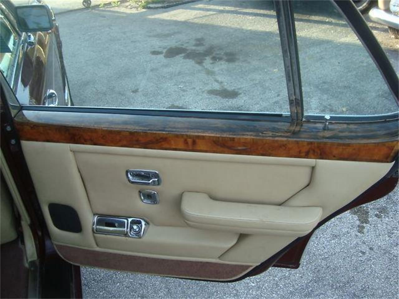 Large Picture of '86 Silver Spur located in Florida Offered by Prestigious Euro Cars - DZYX