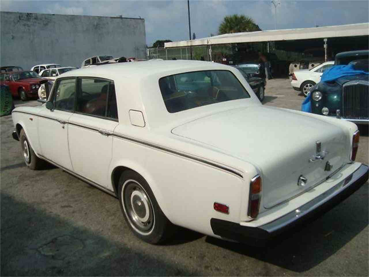 Large Picture of '76 Rolls-Royce Silver Shadow Offered by Prestigious Euro Cars - DZZ2