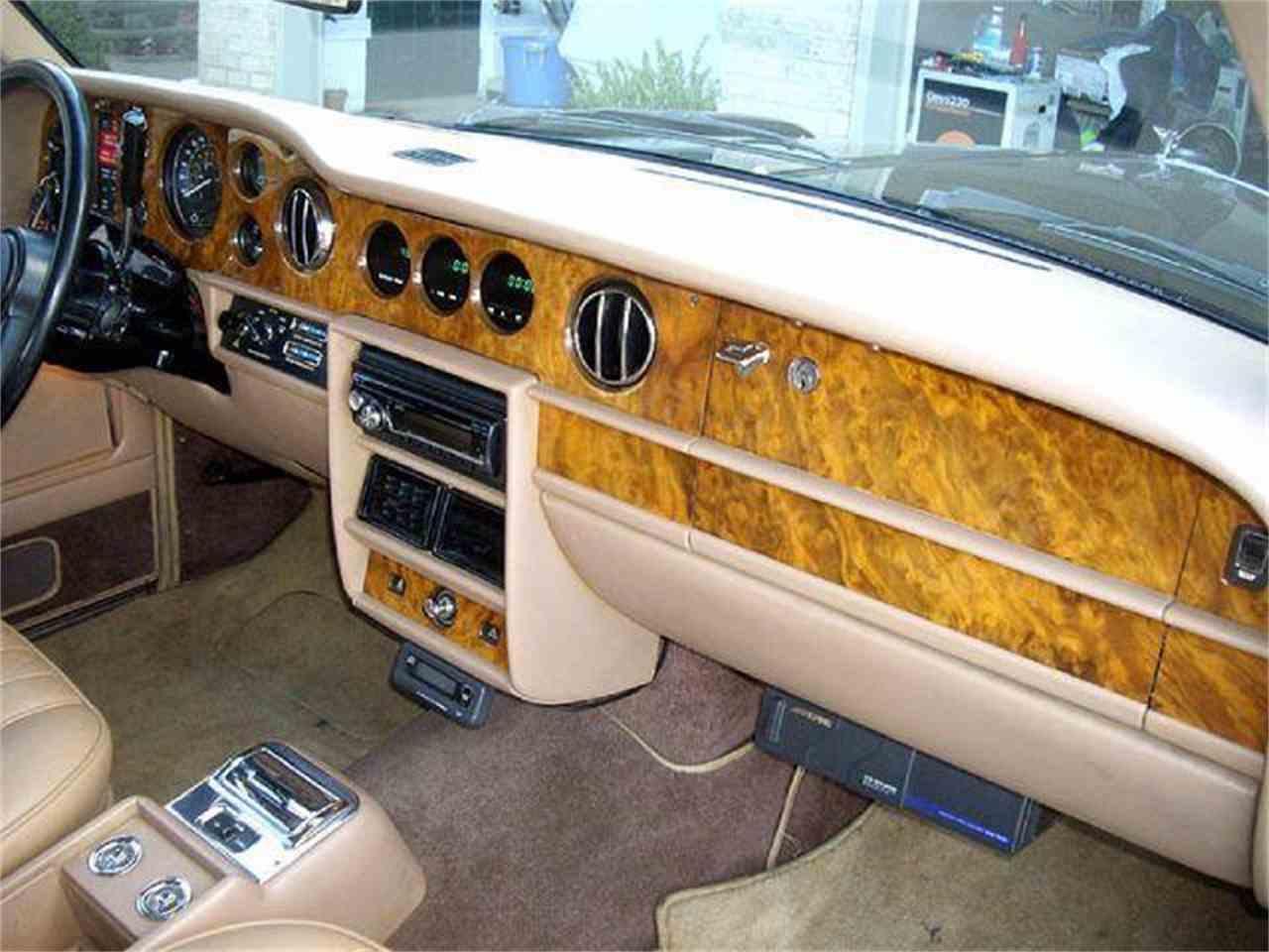 Large Picture of '85 Corniche - DZZ5