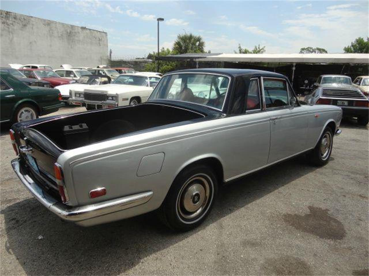 Large Picture of Classic '73 Rolls-Royce Corniche located in Fort Lauderdale Florida - DZZO