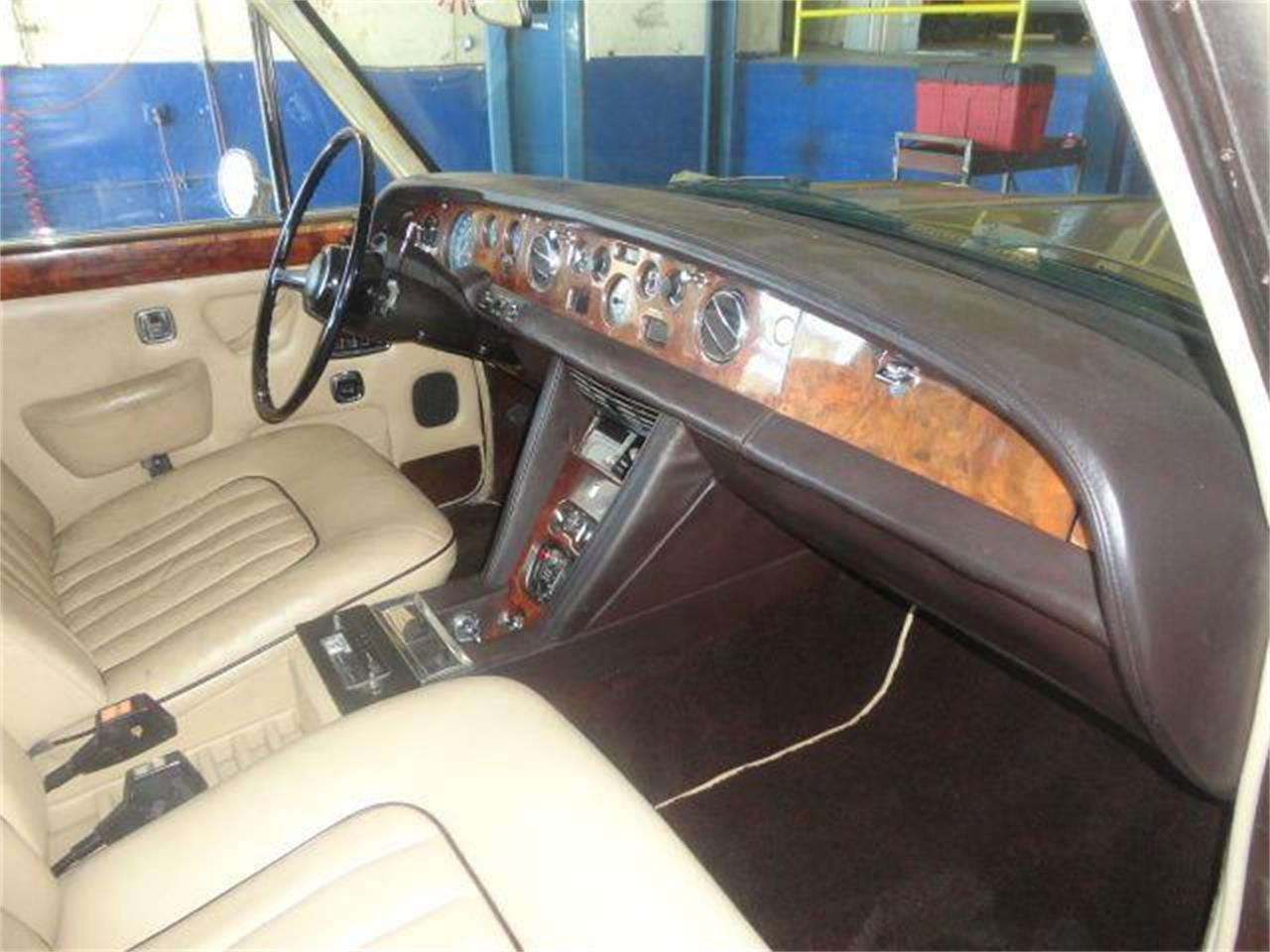Large Picture of '76 Silver Shadow located in Florida Offered by Prestigious Euro Cars - DZZR