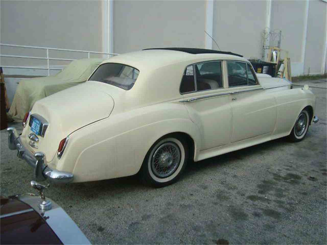 Large Picture of 1961 Silver Cloud - DZZX