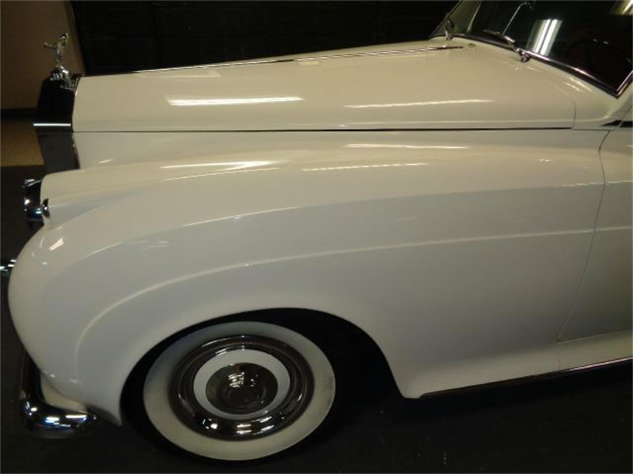 Large Picture of '61 Silver Cloud II - E008