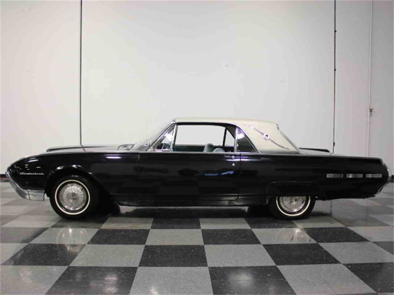 Large Picture of '62 Thunderbird - E04Z