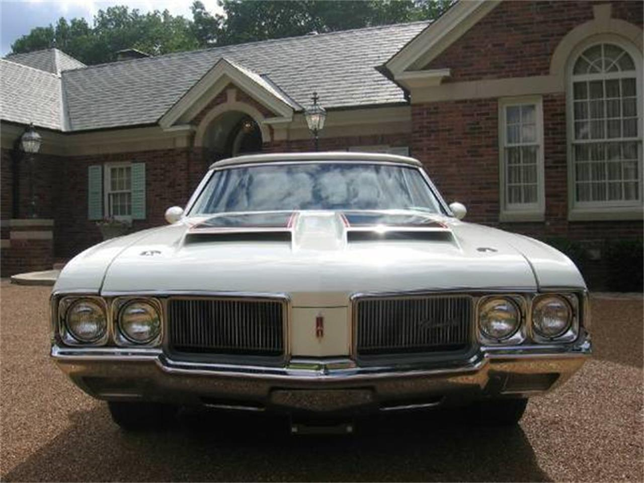 Large Picture of '70 Oldsmobile Cutlass Supreme located in Missouri Offered by a Private Seller - E0YT