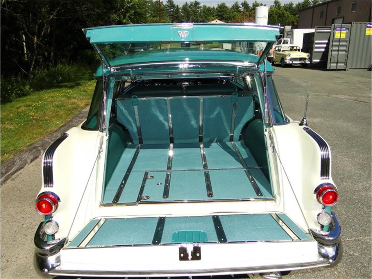 Large Picture of Classic 1955 Pontiac Safari - E1AK