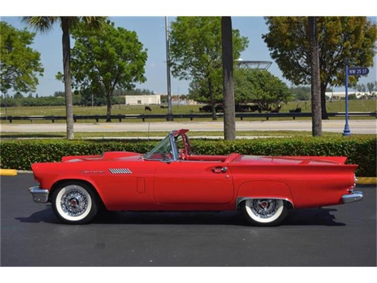 Large Picture of '57 Thunderbird - E3ZO
