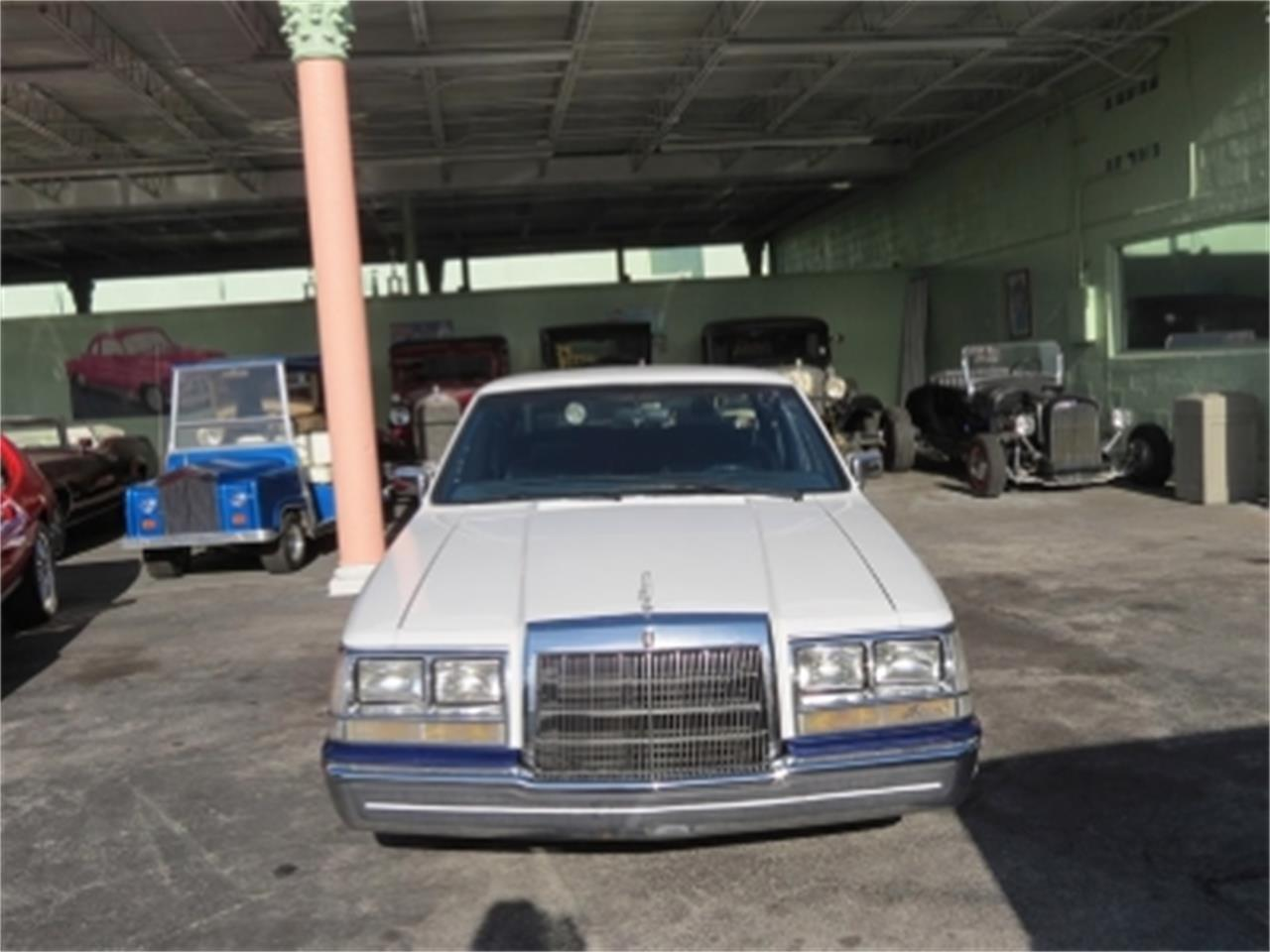 Large Picture of '84 Lincoln Continental - $4,800.00 Offered by Sobe Classics - E6H6