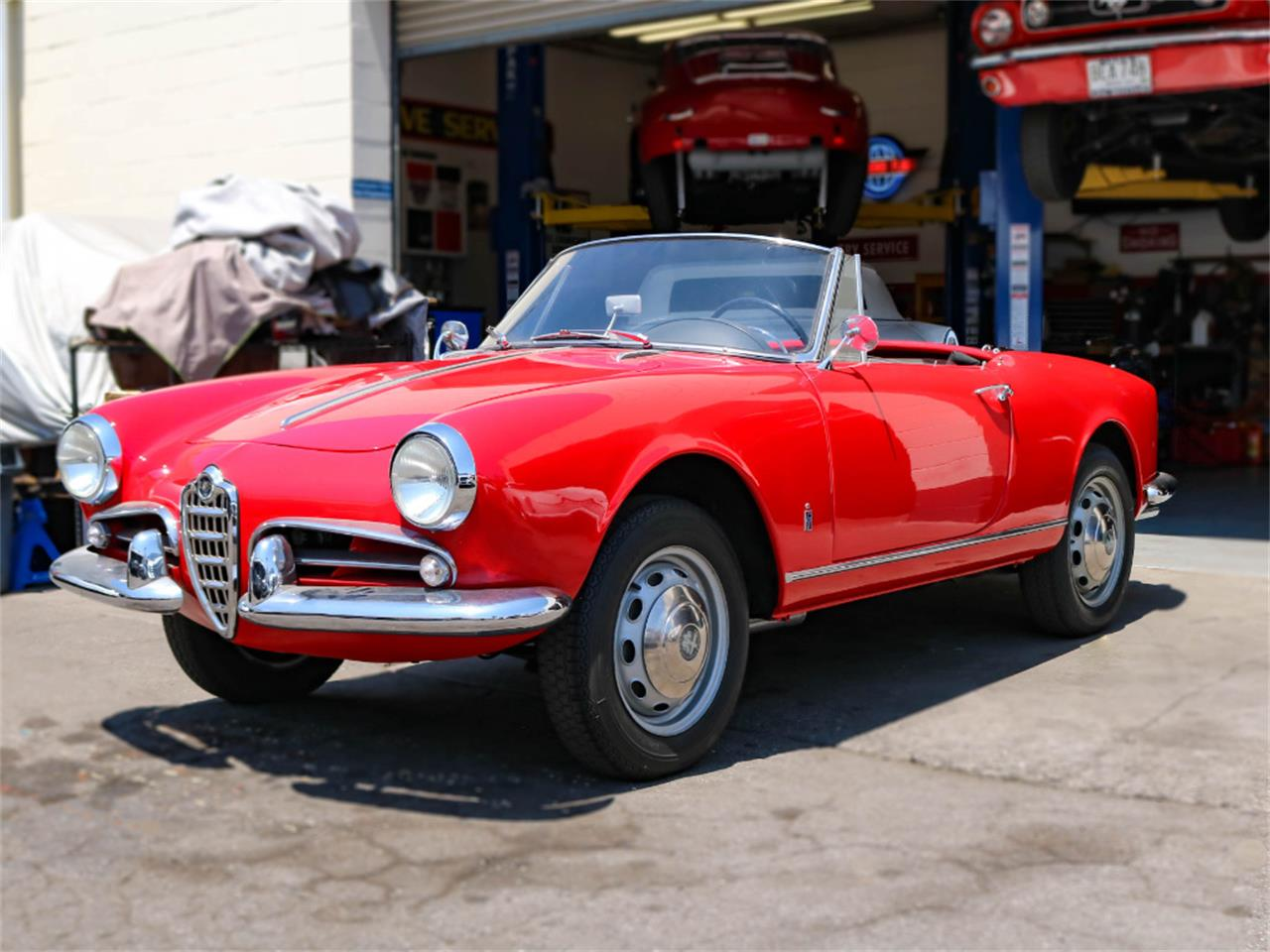 Large Picture of 1960 Alfa Romeo Giulietta Spider located in Marina Del Rey California - E98E