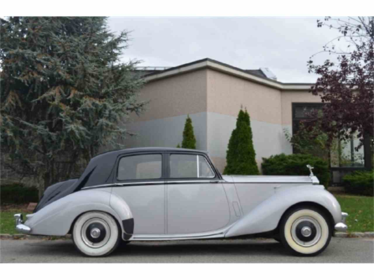 Large Picture of '53 Rolls-Royce Silver Dawn located in New York Offered by Gullwing Motor Cars - EFLE