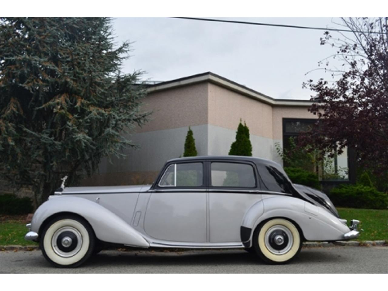 Large Picture of Classic '53 Rolls-Royce Silver Dawn located in New York - EFLE