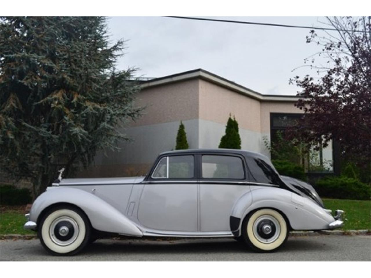 Large Picture of '53 Rolls-Royce Silver Dawn located in Astoria New York - $56,500.00 - EFLE