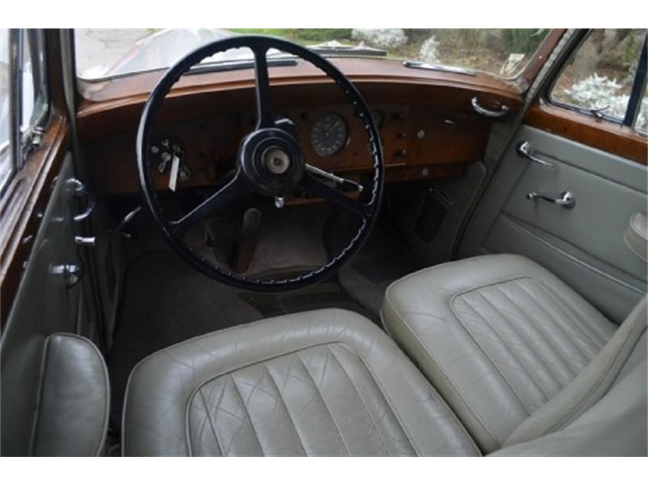 Large Picture of Classic '53 Rolls-Royce Silver Dawn - $56,500.00 Offered by Gullwing Motor Cars - EFLE