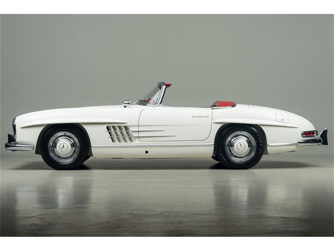 Large Picture of Classic 1963 300SL Roadster located in Scotts Valley California - EFPZ