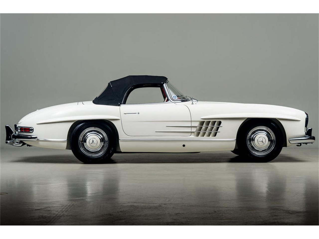 Large Picture of '63 300SL Roadster located in Scotts Valley California - EFPZ