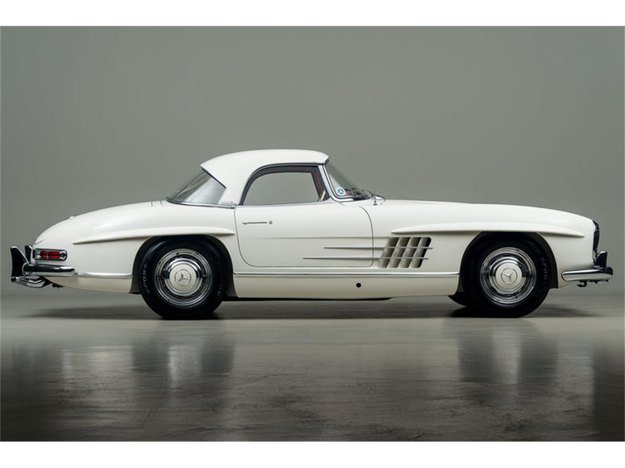 Large Picture of '63 Mercedes-Benz 300SL Roadster located in Scotts Valley California Auction Vehicle - EFPZ