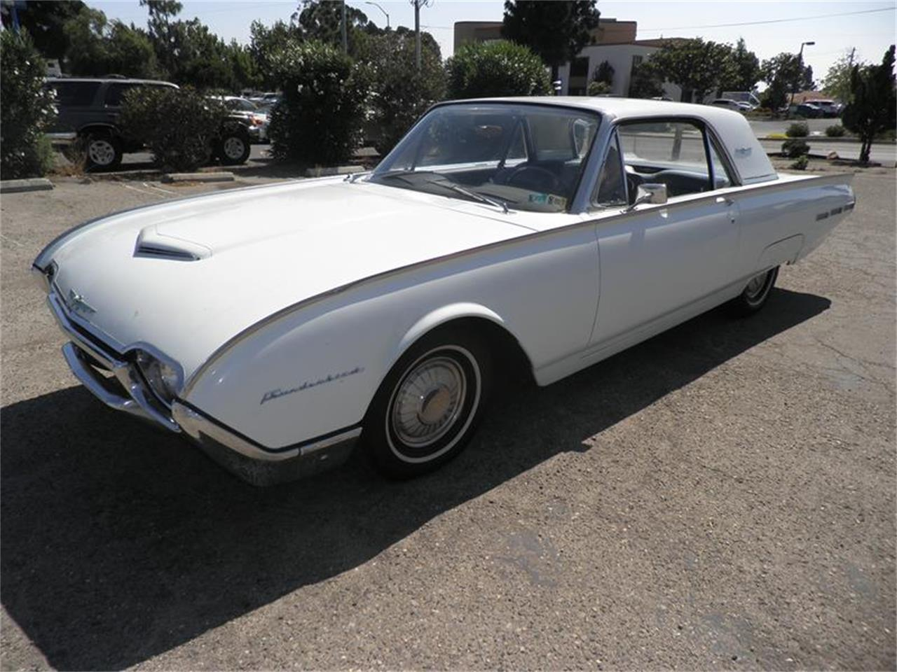 Large Picture of Classic '62 Ford Thunderbird - EJBJ