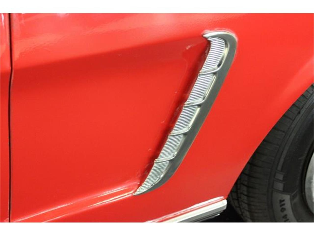 Large Picture of Classic '65 Ford Mustang - EK0D