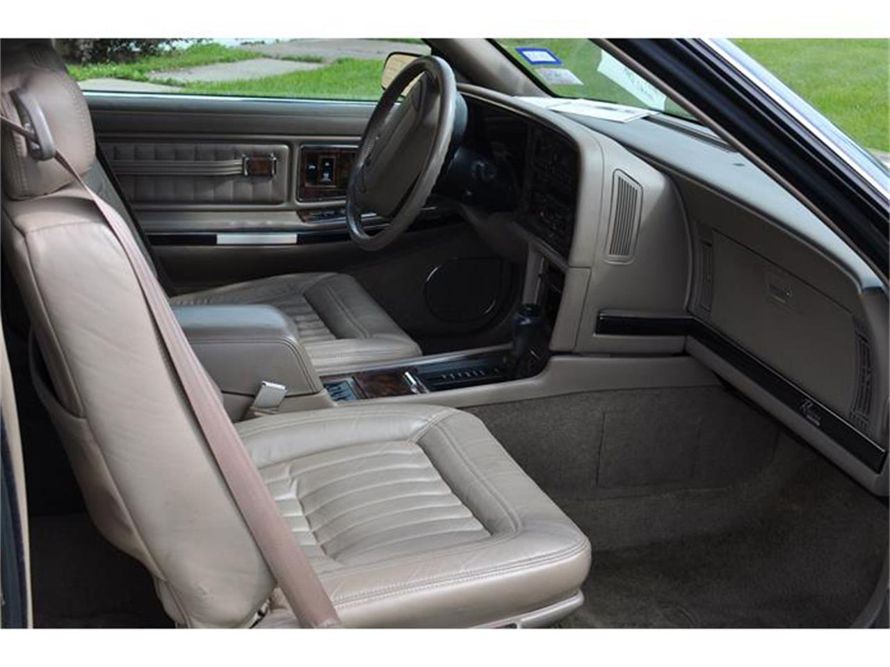 Large Picture of 1992 Buick Riviera located in Watertown Minnesota Offered by Hooked On Classics - EKN8